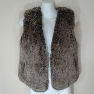Madewell Jackets   Coats - Madewell Faux Fur Vest Brown Size XS f087ae90161e2